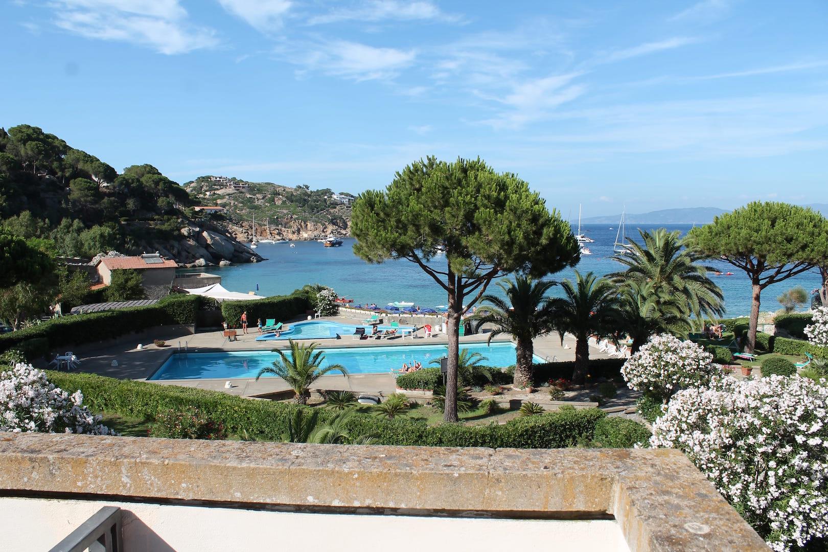 Appartamento bilocale in complesso residenziale con vista mare località Cannelle Giglio - Rif IACOTTI