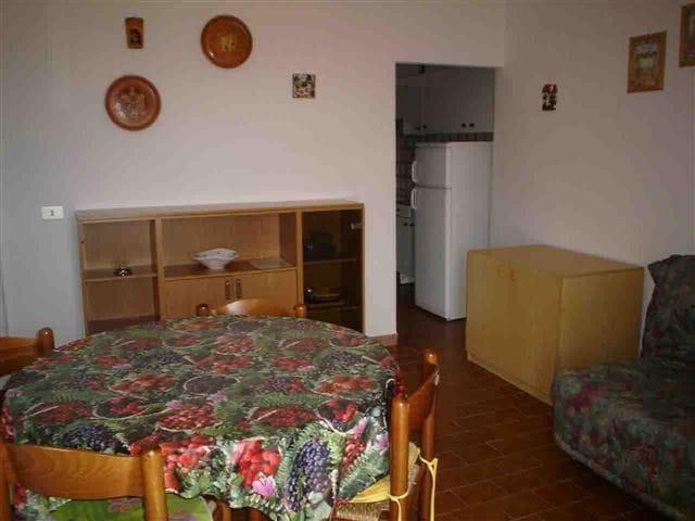 Appartamento a 80 metri dalla passeggiata (4/5 posti letto) rif. MARIA2