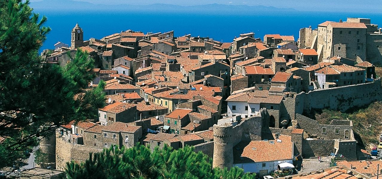 GIGLIO CASTELLO – Appartamento GRANDE interno Borgo Medioevale. RIF. COSTANTINA